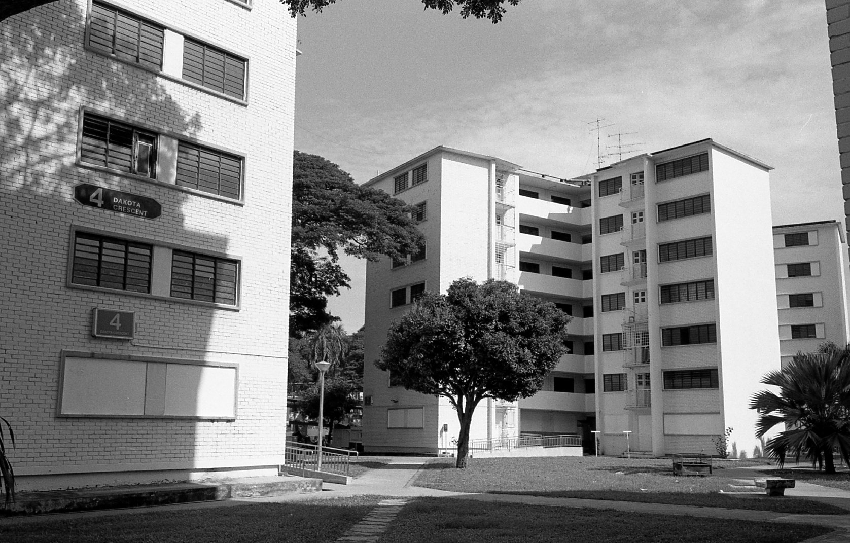 Ilford Delta 400, Dakota Crescent